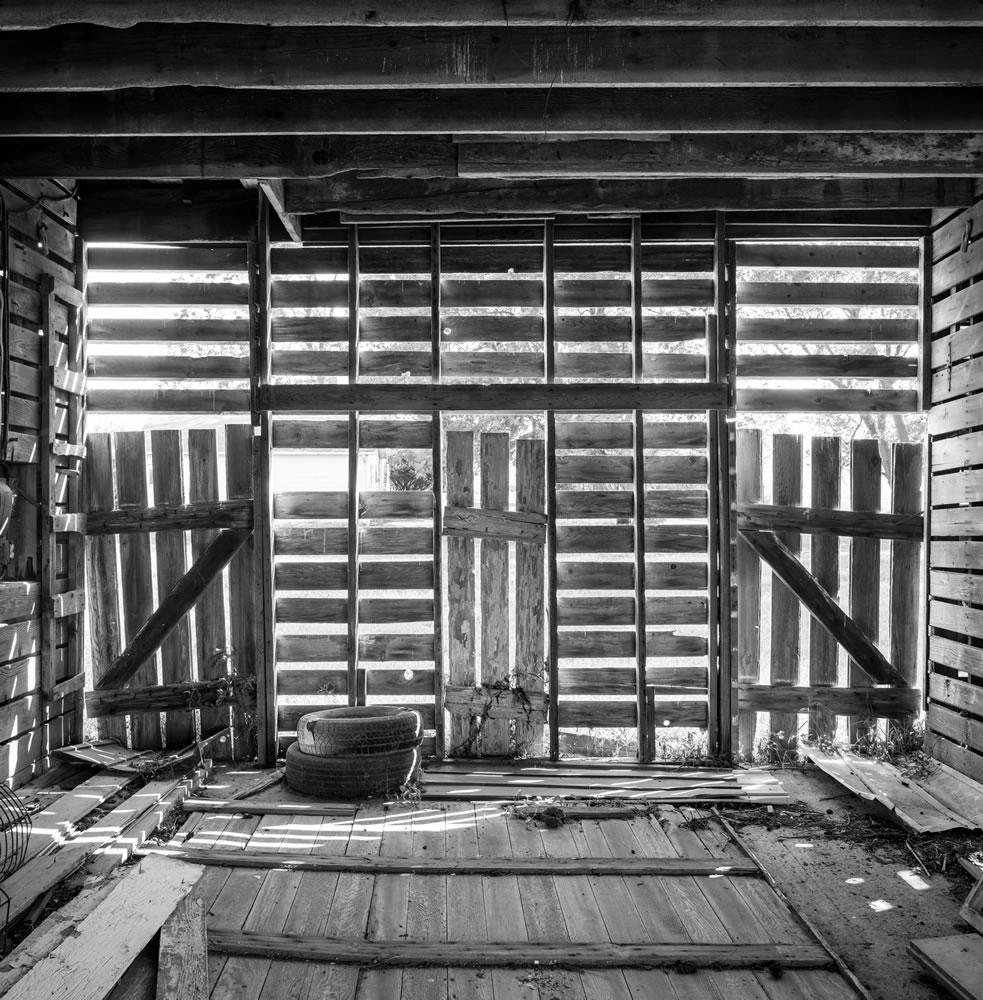 Corn Crib interior, Marshall County